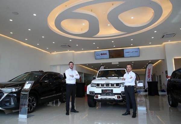 La primera sucursal es de 1.500 metros cuadrados, ubicada en La Uruca, con sala de exhibición de vehículos, servicio al cliente, taller de servicio postventa y venta de repuestos. Fotografía: John Durán.
