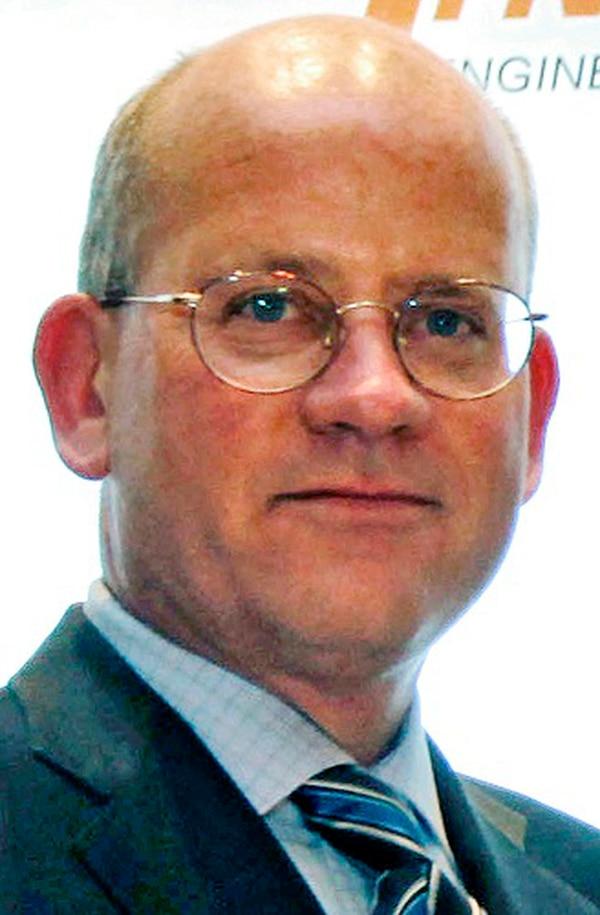 John Flannery, de 55 años, es actualmente el jefe de la división de salud de GE.