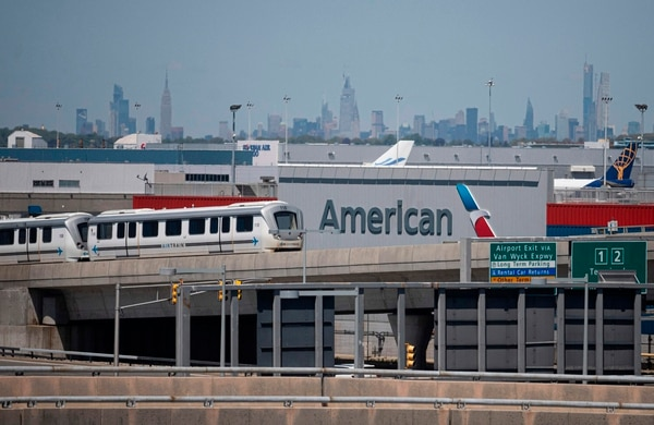 Según datos del ICT, al mes de mayo ingresaron a Costa Rica 72.329 turistas estadounidenses por la vía a aérea a ambos aeropuertos, un 73% de la cantidad que ingresó en mayo de 2019, antes de la pandemia. Fotografía: AFP.