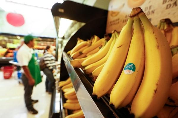 Auto Mercado es la principal cadena de supermercados que comercializa la marca de banano Earth en Costa Rica.