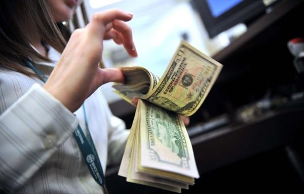 A largo plazo. El 95% del capital que encendió las alarmas del Banco Central y el Gobierno con su ingreso a la economía local está invertido a 2,5 años. | EYLEEN VARGAS PARA EF