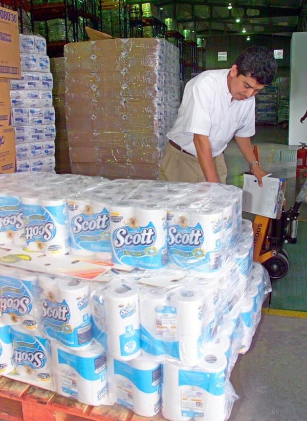 Kimberly-Clark fabrica varios productos a partir del insumo básico del papel, desde pañales hasta cuadernos.