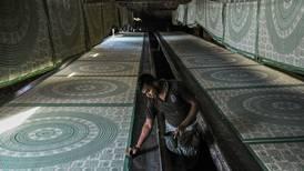 Amazon, en busca de precios más bajos, recluta a comerciantes indios