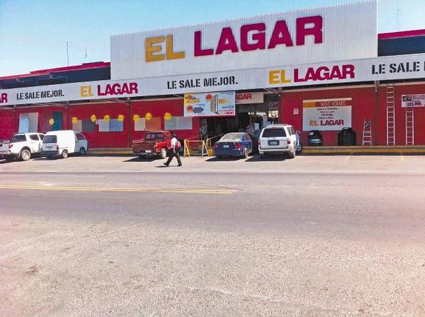 La cadena de ferreterías El Lagar posee 11 puntos de venta. Pronto sumará uno más donde Abonos Agro tiene su tienda en La Uruca. La cadena El Colono y El Lagar quedaron ahora a manos de sus antiguos dueños.
