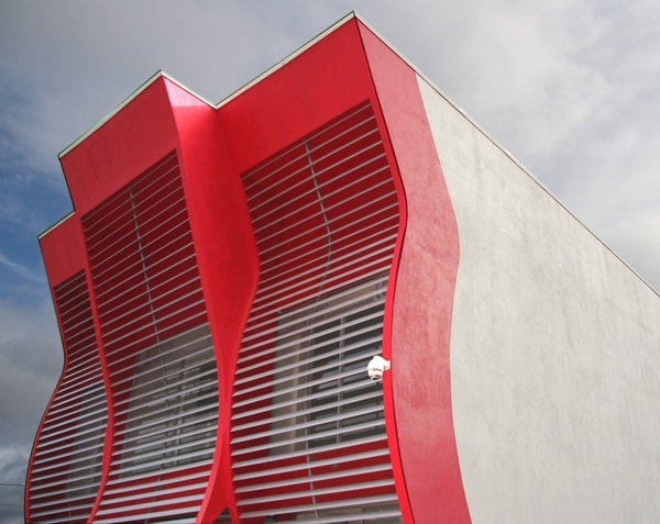 La firma Ncubo inauguró su nueva sede de dos edificios en Cartago.
