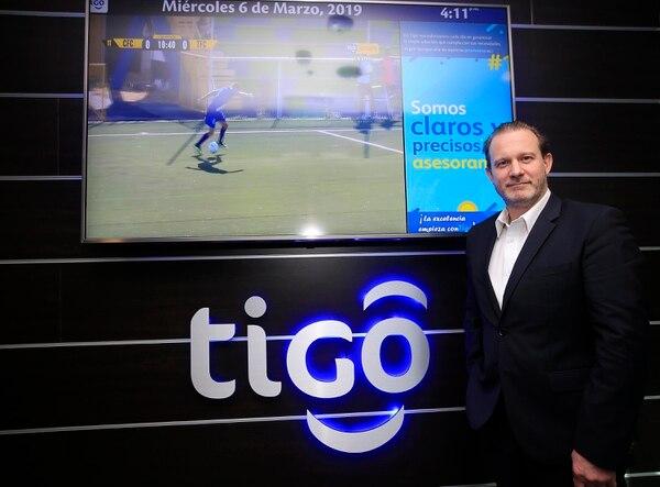 José Daniel Gómez, director de Tigo Costa Rica, recordó que falta un paso para completar el trámite. (Foto Rafael Pacheco / Archivo GN)
