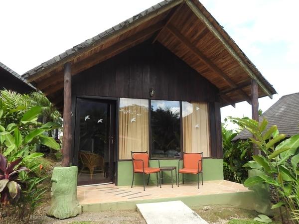Los bungalows son tipo cabañas y cuentan con las condiciones para el hospedaje de los turistas. (Fotos cortesía Hotel Lavas Tacotal para EF)