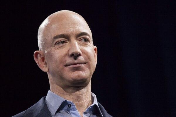 Desde marzo anterior, la acción de Amazon aumentó alrededor de 24% en Bolsa, lo que equivale a una ganancia de $17.000 millones para Jeff Bezos, CEO de la compañía.