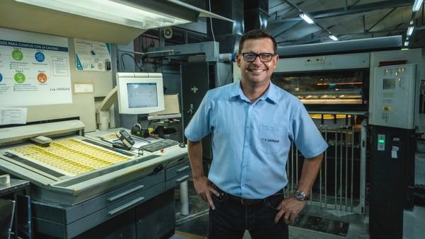 Freddy Quesada, gerente general, indicó que Grupo Vargas pasó de producir para empresas locales a fabricar productos que van a mercados externos. (Fotos cortesía Grupo Vargas)