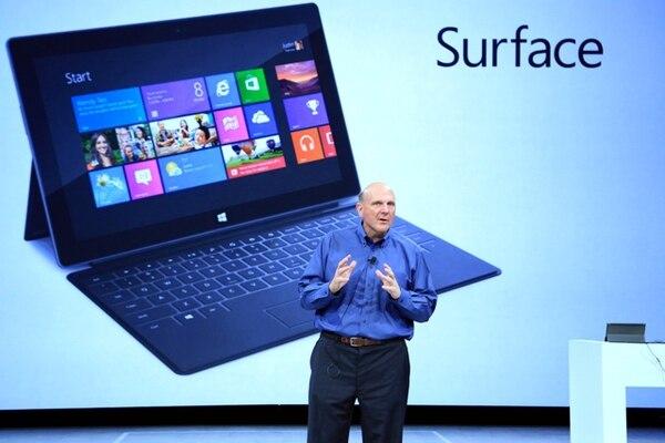 El ex director de Microsoft Steve Ballmer dejará su cargo en la mesa administrativa del gigante del software para el que trabajó 34 años.