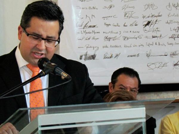 Mendoza espera concretar una coalición partidaria para 2014
