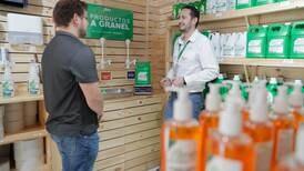 Ventas a granel surgen como opción ante rechazo de envases de un solo uso