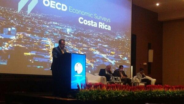 En America Latina y el Caribe, Costa Rica es un país competitivo. Si los aspectos individuales se comparan con los países miembros de la Organización para la Cooperación y el Desarrollo Económicos (OCDE), es donde se queda muy por debajo.