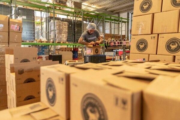 06/12/2018, San José, Ciudad Colón, instalaciones de la Cervecería Treintaycinco, hacen la presentación de su nueva cerveza artesanal Lager, que es una cerveza de bajo costo. En la fotografía Alonso Cortes. Fotografía José Cordero
