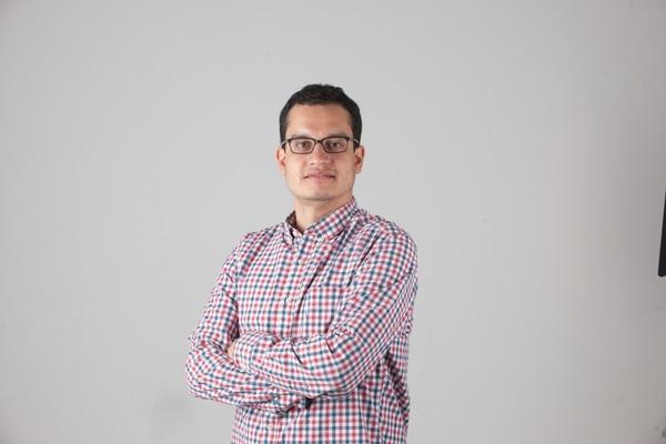 Adrián García. Columnista del semanario El Financiero. Fotografía: Jose Díaz.