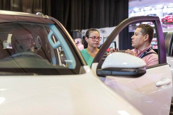 La menor actividad en mantenimiento y reparación de vehículos se asocia con las menores ventas de automotores y a la reducción de la movilidad de personas. Fotografía José Cordero
