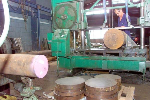 La producción de hierro y el acero disminuyó en 11,3%