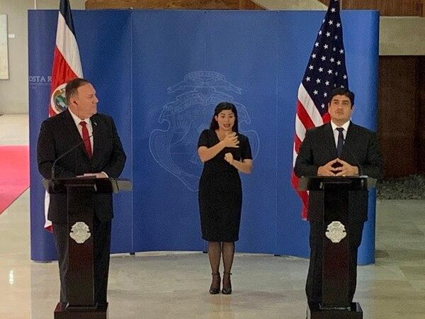 El presidente de la República, Carlos Alvarado, mantuvo una reunión bilateral con el secretacio de Estado de Estados Unidos, Michael Pompeo, el cual calificó de