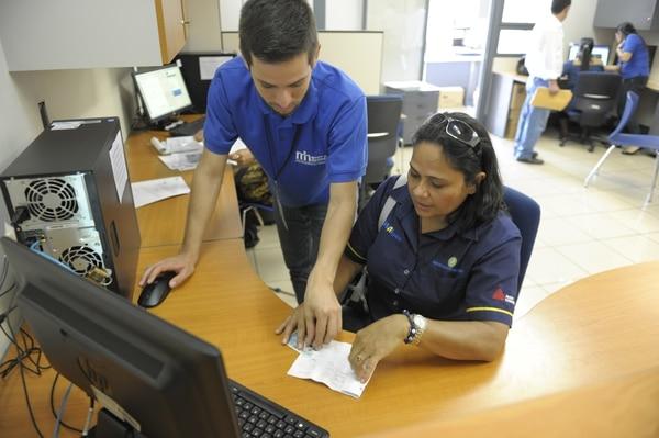 El Ministerio de Hacienda implementó la declaración y pago de impuestos en forma digital. (Foto Jose Díaz / Archivo GN)
