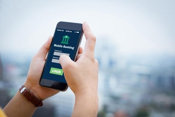Kaspi ha visto aumentar su volumen de usuarios en un 70% durante el primer semestre de 2020, alcanzando a 8 millones sobre una población de 19 millones de habitantes. Fotografía: Shutterstock.