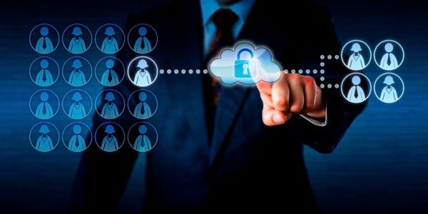La computación en la nube permite automatizar procesos en las empresas e instituciones, mejorando la productividad y eficinciencia corporativas.