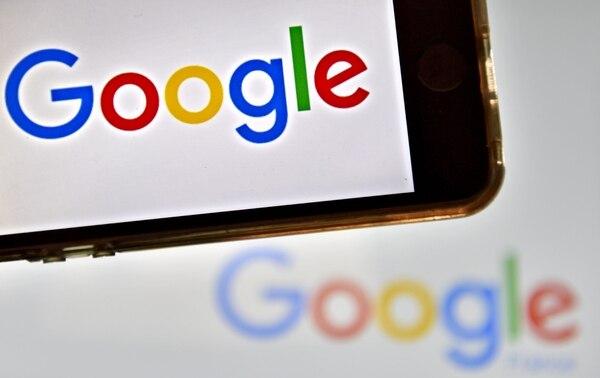 Los usuarios realizan búsquedas desde diferentes dispositivos, tanto móviles como computadoras personales.