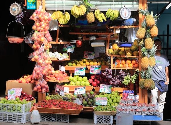 28/06/2019 Mercado Borbón. Frutas y verduras. Foto: Rafael Pacheco