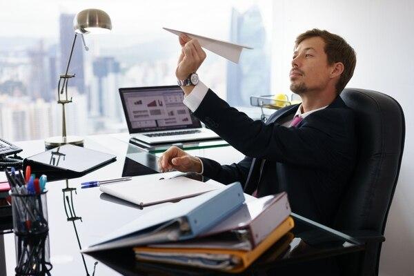 Según la encuesta realizada en Chile, entre los síntomas más comunes al regresar al trabajo tras el período de descanso anual están la falta de sueño (13%), de concentración (12%) y de interés (11%), además de cansancio generalizado (11%).