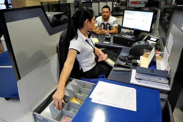 Al final de julio del 2018, las entidades financieras del país enviarán información sobre cuentas, intereses dividendos y otros datos de personas físicas y jurídicas con residencias fiscales de otros países.