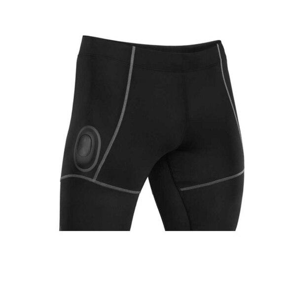 El short ($199) Athos con sensores y dispositivo electrónico (Core por $199) registran el esfuerzo muscular y otros datos que se pasan a app de iPhone o iPad.