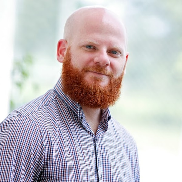Eric de La Goublaye de Menorval Asbun tiene 37 años y trabajó varios años en Intel. Hoy cuenta con su propio negocio: deLaGuayaba.