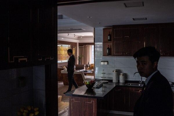 Un exceso de apartamentos no deseados es responsable de una desaceleración en la segunda economía más grande del mundo. En algunos lugares, los propietarios están tomando las calles. Fotografía: Lam Yik Fei, The New York Times