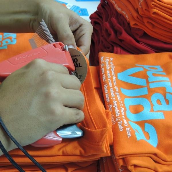 Arteria diseña productos como camisetas, bolsos, pines, jarras cerveceras, tazas, calcomanías. entre otros.