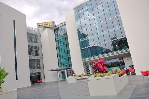 Western Union emplea 1.300 personas para su operación de servicios compartidos en Santa Ana.