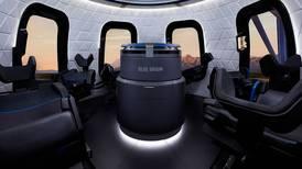 La carrera espacial multimillonaria entre Jeff Bezos y Richard Branson se acelera