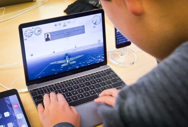 Con las unidades SSD las laptops tendrán mayor velocidad para todo tipo de aplicaciones, incluyendo juegos.