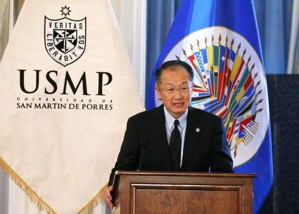 El presidente del Banco Mundial, Jim Yong Kim, habla durante una conferencia en la Organización de los Estados Americanos en Washington.