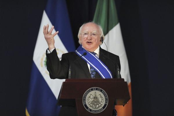 El presidente irlandés Michael Higgins, arribó a Costa Rica este sábado. El lunes, a las 11 a. m. sostendrá la primera reunión con la presidenta Laura Chinchilla.