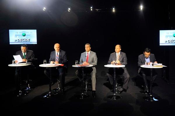 Los candidatos tocaron el tema del empleo, salario mínimo y reforma fiscal en el tercer bloque del debate presidencial