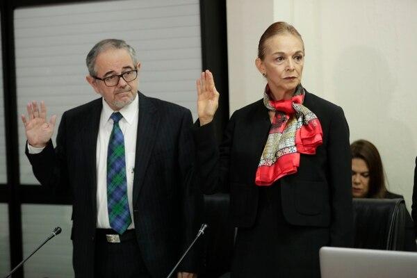 La Comisión de Ingreso y Gasto Público llamó a comparecencia a Bernardo Alfaro jerarca de la Sugef y María Lucía Fernandez jerarca de la Sugeval. José Cordero