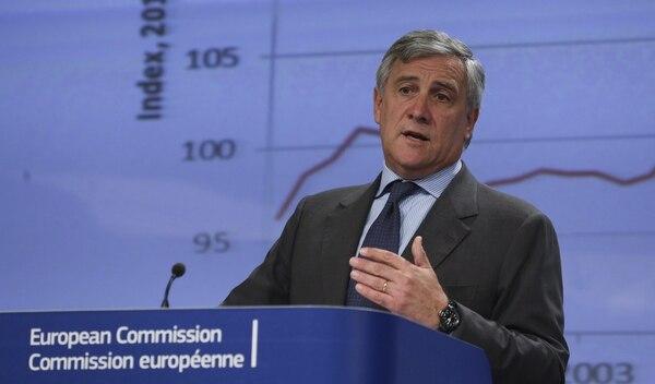 El vicepresidente de la Comisión Europea y responsable de Industria, Antonio Tajani, ofreció una rueda de prensa para presentar dos informes sobre el estado de la industria en la Unión Europea.