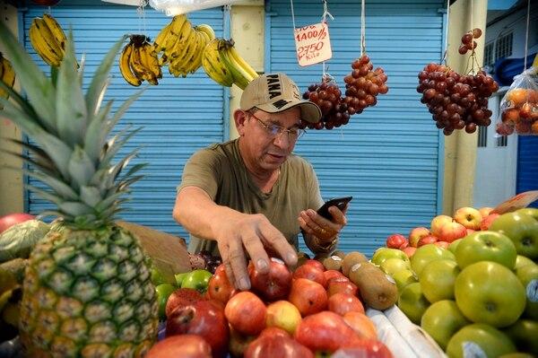 24/01/2019 Mercado Borbón. San José.Wilfrido Hernández quien tiene 32 años de tener este tramo llamado