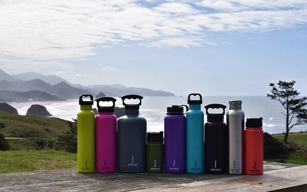 Las botellas, disponibles de diferentes colores, no poseen bisfenol A (conocido como BPA), que es una sustancia que se encuentra en algunos plásticos.