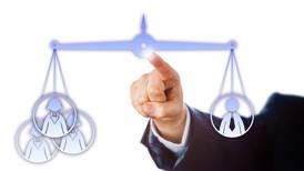 Identifique las buenas prácticas de equidad de género en las empresas donde busca empleo