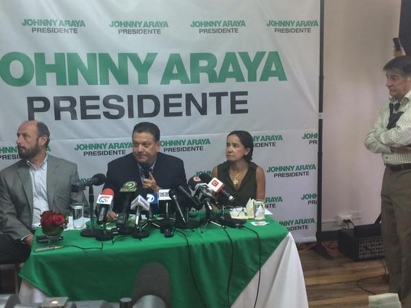 El candidato del Partido Liberación Nacional, Johnny Araya, presentó esta mañana su plan plan social enfocado en construcción de vivienda y pobreza.