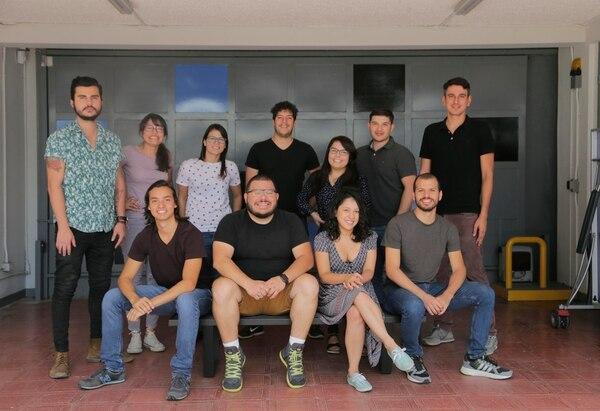 El equipo de Leaf se reunió en las oficinas de Carao Ventures en Sabana Norte. Este emprendimiento ha recibido ayuda de la firma de capital de riesgo para desarrollar una novedosa aplicación de música. (Foto: Albert Marín).