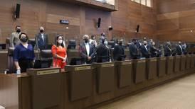 Plan de empleo público sigue vivo y con la urgencia de amarrar 38 votos