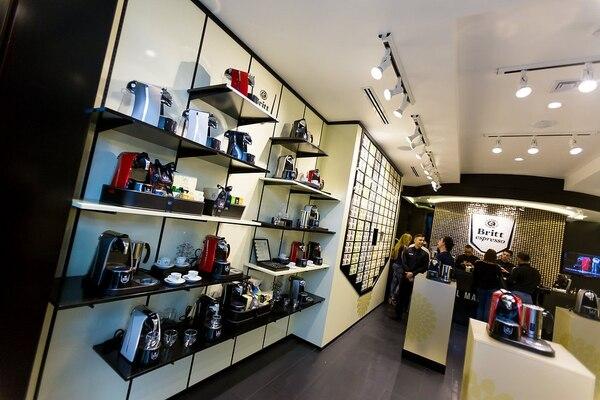 La tienda Britt Espresso está ubicada en Multiplaza Escazú, segundo piso de la tercera etapa.