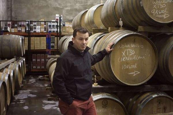 El vinicultor de Kleine Zalze, Reginald (RJ) Botha, explicó que el un Chenin Blanc 2013 que le valió el premio no proviene de parras majestuosas, sino de vides podadas en vaso.