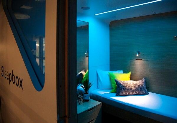 La idea de los microhoteles les atrae también a empresas como Marriott y Hilton (este presentó hace poco la marca Motto). En la fotografía aparece el Sleepbox en Concourse A. Fotografía: Natalie Kaufler.
